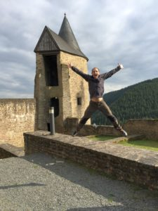Wandern in Luxemburg - Jumping Picture