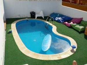 Pool von Planet Surfcamps