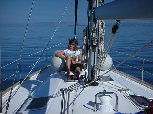 Auf dem Segelboot chillen