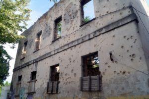 Zerschossenes Wohnhaus in Mostar